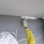 09_5階・刷毛で下塗り中